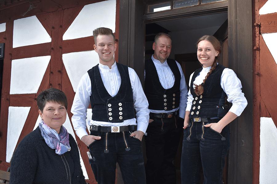 Rhönzimmerei Schäfer - Familie Schaefer